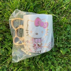 Other - NIB Hello Kitty Cafe Exclusive LE Gold Bow Mug